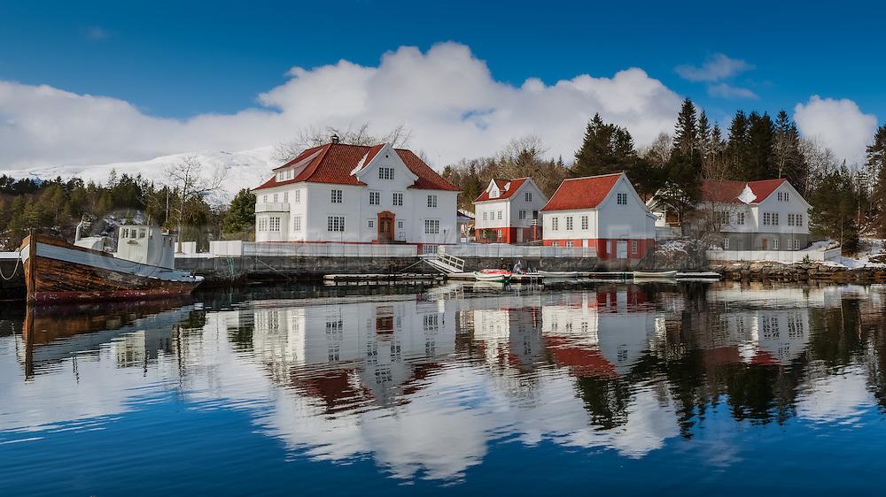 Kjeldsund is a former trading post and guest house, as well as a courthouse, and is located in Herøy, Norway. The buildings are now in use as a mission and youth center   Kjeldsund er ein tidlegare handelsstad og gjestgjevargard, så vel som tingstad i Herøy kommune i Møre og Romsdal. Handelen på staden er slutt. Ein del av bygningane var frå 1948 til 1955 bortleigd som husmorskule, Søre Sunnmøre Husstellskule. Skulen er avvikla og flytt til Ørsta. Bygningane er no i bruk som misjons- og ungdomsenter ? Kjeldsund Ungdomssenter ? som blir eigd og drive av Det Norske Misjonsselskap (NMS).