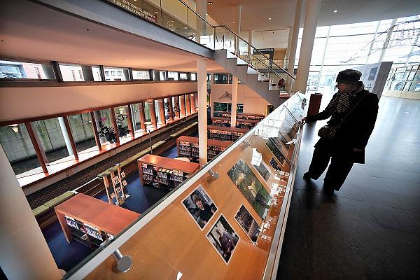Nederland, Maastricht, 9-2-2014 De openbare, gemeentelijke bibliotheek aan de kant van Wijck, rechter maasoever. Nabij het centre ceramique. Foto: Flip Franssen/Hollandse Hoogte