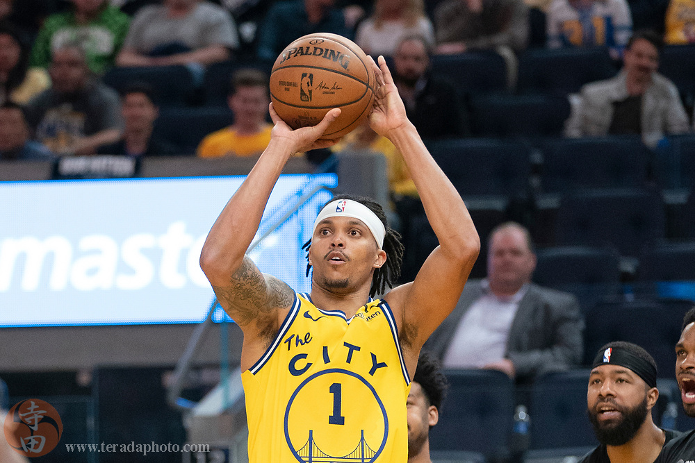 February 27, 2020; San Francisco, California, USA; Golden State Warriors guard Damion Lee (1) shoots the basketball during the third quarter against the Los Angeles Lakers at Chase Center.