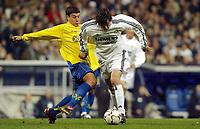 Fotball<br /> Spania 2003/2004<br /> Real Madrid vs Villarreal <br /> 24.01.2004<br /> <br /> R.Madrid's Solari in duel with Villarreal's Battaglia<br /> <br /> Foto: Alejandro Leon Fernandez, Digitalsport<br /> Norway Only