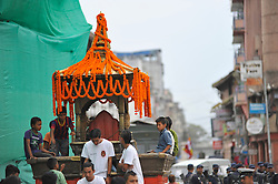 September 15, 2016 - Kathmandu, Nepal - Kid Playing on a chariot of deity on the third day of Indra Jatra Festival celebrated at Basantapur Durbar Square, Kathmandu. Devotees celebrated the god of rain 'Indra' for 8 days in Kathmandu. (Credit Image: © Narayan Maharjan/Pacific Press via ZUMA Wire)