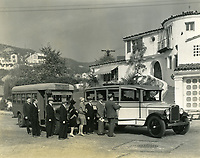 1928 Prospective buyers at Hollywoodland