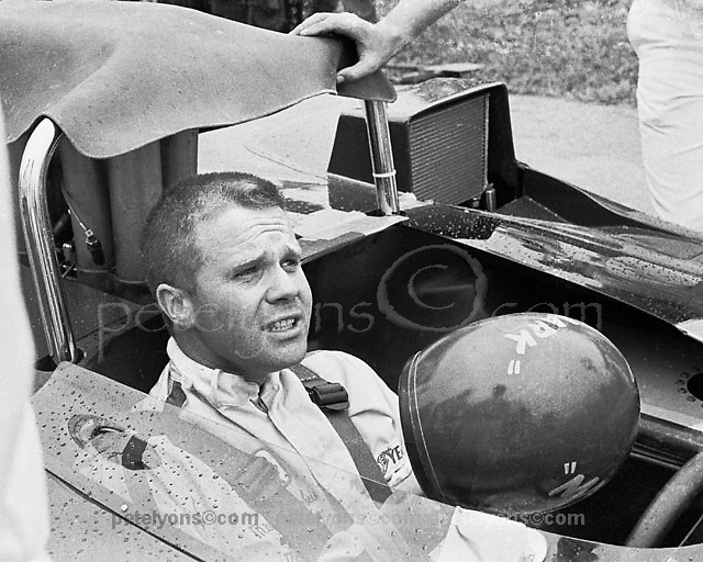 Mark Donohue awaits the start of the 1969 Mid-Ohio Can-Am, his only race with this Lola T163.