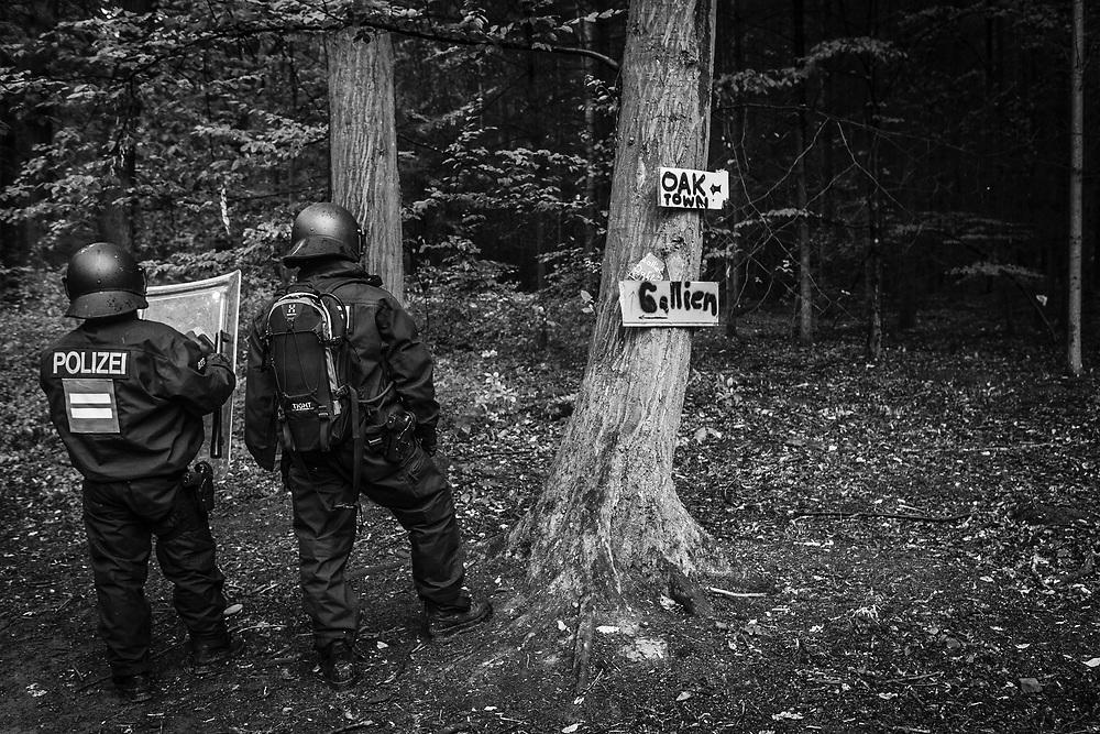 Kerpen-Buir, DEU, 13.09.2018<br /> <br /> Beginn der Raeumung des Hambacher Forsts.<br /> <br /> Start of the clearing of the Hambach Forest.<br /> <br /> Foto: Bernd Lauter/berndlauter.com
