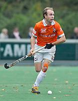 BLOEMENDAAL -  De Australier Matthew Swann van Bloemendaal  tijdens de hoofdklasse competitiewedstrijd hockey  tussen de mannen van Bloemendaal en Oranje-Zwart (3-4). FOTO KOEN SUYK