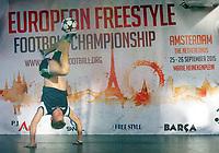 BILDET INNGÅR IKEK I FASTAVTALER. ALL NEDLASTING BLIR FAKTURERT.<br /> <br /> Fotball<br /> Foto: imago/Digitalsport<br /> NORWAY ONLY<br /> <br /> Football freestyler s Tobias from Norway perform with ball during the Eurpean Freestyle Football Champinships Final on September 26, 2015 in Amsterdam, Netherlands
