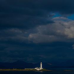Ilha do Farol de Musdile (paisagem) fotografado na Escócia, na Europa. Registro feito em 2019.<br /> ⠀<br /> ⠀<br /> <br /> <br /> <br /> <br /> <br /> <br /> ENGLISH: Musdile Lighthouse Island photographed in Scotland, in Europe. Picture made in 2019.