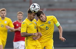 Vladyslav Dubinchak og Yevgen Cheberko (Ukraine) under U21 EM2021 Kvalifikationskampen mellem Danmark og Ukraine den 4. september 2020 på Aalborg Stadion (Foto: Claus Birch).
