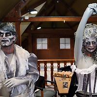 Nederland, Biddinghuizen , 10 oktober 2014.<br /> Halloween Fright Nights Walibi Holland.<br /> Op vrijdag 10 oktober wordt het Haunted House op wel heel speciale wijze geopend.<br /> Bekende Nederlanders draaien mee in het Haunted House. In de middag volgen zij een Scare Training, Daarna gaan ze de grime in om tot geest te worden omgetoverd. Onder andere Samantha , bekend van het programma Samantha & Michael houden zich Thai, draait vrijdag mee als geest in Jefferson Manor.<br /> Op de foto Damantha van der Plas de Jong.<br /> <br /> Foto: Jean-Pierre Jans/ANPinOpdracht<br /> Foto:Jean-Pierre Jans