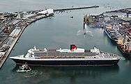 Cat 7 - PICTURE STORY.Paul Kane.Getty Images.The Queen Mary 2 prepares to berth in Fremantle Harbour during her maiden visit.