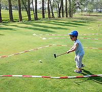 NOORDWIJK - Klein geleerd op Open Golfdagen op Golfcentrum Noordwijk.  NGF. Foto KOEN SUYK