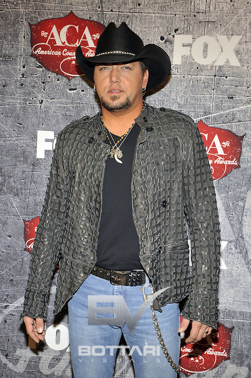 Singer Jason Aldean arrives at the American Country Awards on Monday, Dec. 10, 2012, in Las Vegas. (Photo by Jeff Bottari/Invision/AP)