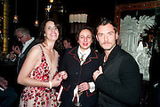 LAUREN GOLDSTEIN CROWE; SELINA BLOW; JUDE LAW, Lauren Goldstein Crowe hosts reception to thank those that particitated in the research for her book: Isabella, A Life in Fashion. The Fumoir. Claridge's. London. 8 November 2010. -DO NOT ARCHIVE-© Copyright Photograph by Dafydd Jones. 248 Clapham Rd. London SW9 0PZ. Tel 0207 820 0771. www.dafjones.com.