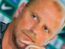 05.07.2010, Platz 5, Bremen, GER, Training Werder Bremen 1. FBL im Bild  Thomas Schaaf ( Werder  - Trainer  COACH)   EXPA Pictures © 2010, PhotoCredit: EXPA/ nph/  Kokenge / SPORTIDA PHOTO AGENCY
