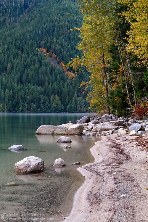 Fall foliage colour along the shoreline of Chilliwack Lake in Chilliwack Lake Provincial Park, Chilliwack, British Columbia, Canada