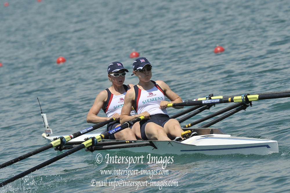 Banyoles, SPAIN,  GBR  LW2X, Bow {L} Andrea DENNIS  and Sophie HOSKING Wonen's Double Sculls, repechage.  FISA World Cup Rd 1. Lake Banyoles  Saturday, 30/05/2009  [Mandatory Credit. Peter Spurrier/Intersport Images]