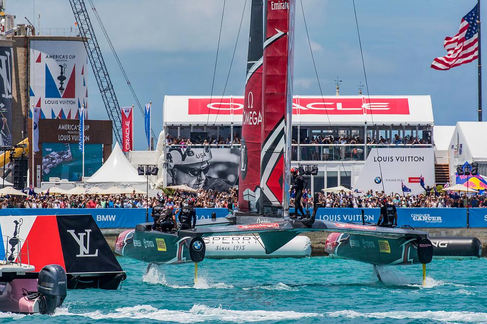 Finish<br /> <br /> Day  5<br /> 2017 35th America's Cup Bermuda