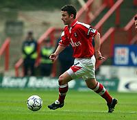 Fotball. Engelsk Premier League 01.04.2002.<br /> Charlton v Arsenal.<br /> Mark Kinsella, Charlton.<br /> Foto: Roger Parker, Digitalsport