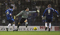 Photo: Paul Thomas.<br /> Oldham Athletic v Swindon Town. Coca Cola League 1.<br /> 10/12/2005.<br /> <br /> Andy Liddell scores Oldham's equalising goal.