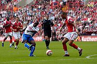 Photo: Daniel Hambury.<br />Charlton Athletic v Portsmouth. The Barclays Premiership. 16/09/2006.<br />Portsmouth's Lomana LuaLua scores. 0-1