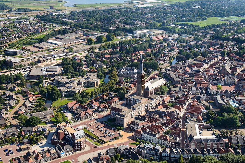 Nederland, Overijssel, Gemeente Steenwijkerland, 27-08-2013; <br /> Het centrum van het vestingstadje Steenwijk met kerk . Boven in beeld industrieterrein en bossen.<br /> The fortified city of Steenwijk in the east of the Netherlands.<br /> luchtfoto (toeslag op standaard tarieven);<br /> aerial photo (additional fee required);<br /> copyright foto/photo Siebe Swart.