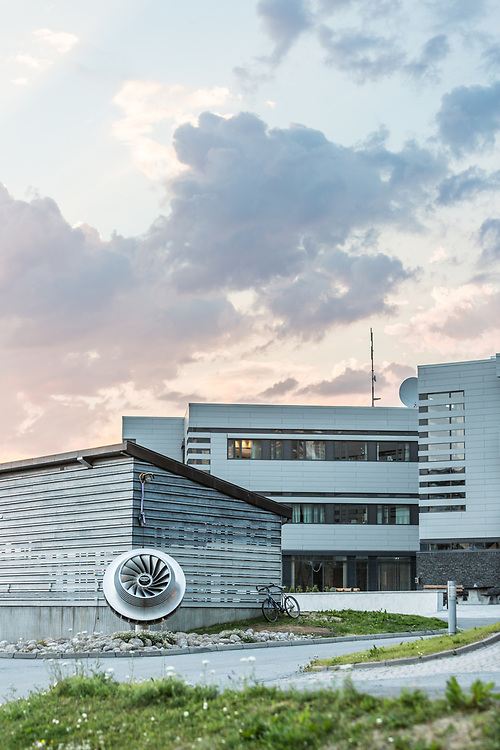 Nordkrafts siste administrasjonsbygg ble innviet i 2013. Det ligger rett ved administrasjonsbygget fra 2002. Consto var hovedentreprenør.