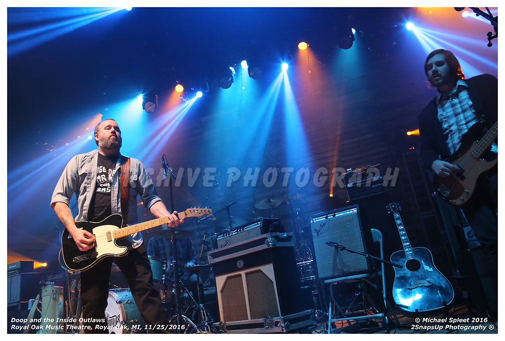 Doop & The Inside Outlaws,  at Royal Oak Music Theatre, Royal Oak, MI, 11/25/2016. (Image Credit: Michael Spleet / 2SnapsUp Photography)