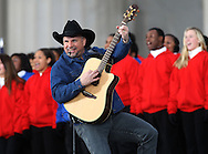 """Garth Brooks plays for President Elect Barack Obama and his wife Michelle at the """"We Are One""""  The Obama Inaugural Celebration at the Lincoln Memorial on January 18, 2009.  Photo by Dennis Brack"""