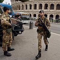Terrorist alarm in Rome, Strengthen security measures