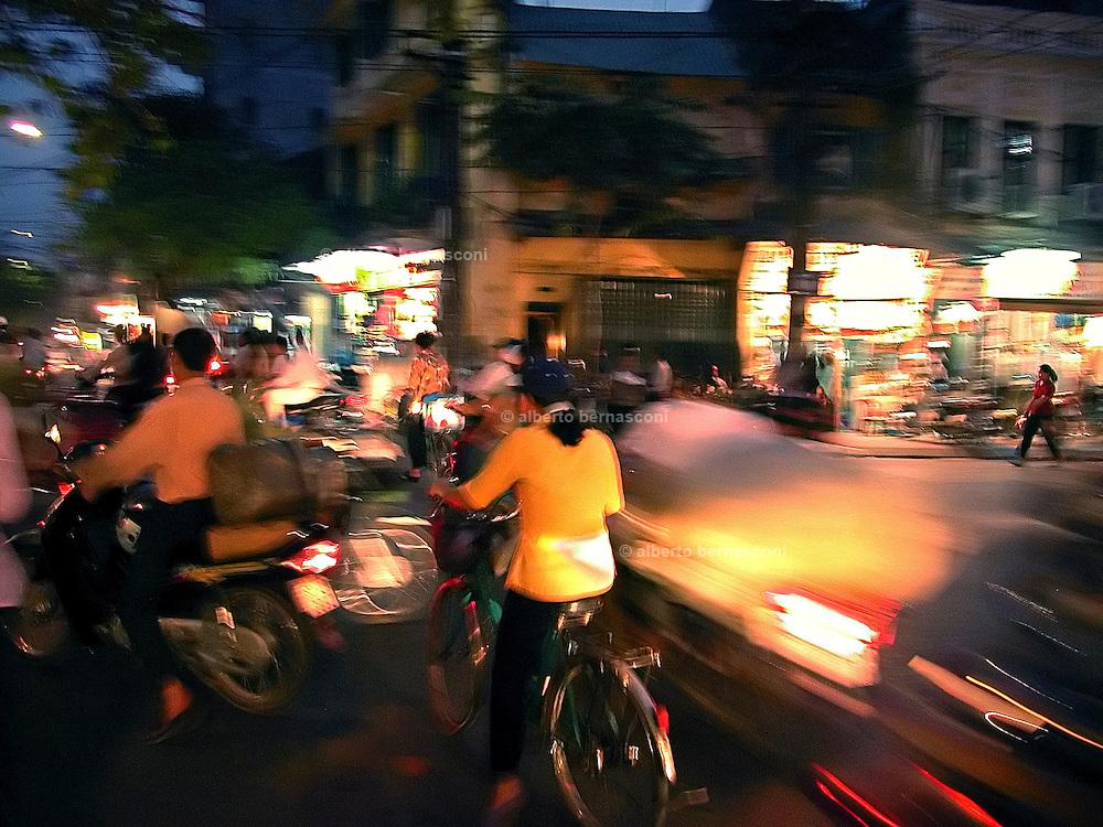Vietnam, Hanoi: rush hour.