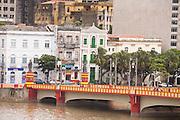 Recife_PE, Brasil..Ponte Maurício de Nassau em Recife, Pernambuco..Maurício de Nassau Bridge in Recife, Pernambuco..Foto: JOAO MARCOS ROSA / NITRO