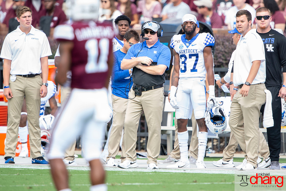 STARKVILLE, MS - SEPTEMBER 21: Head coach Mark Stoops of the Kentucky Wildcats during their game against the Mississippi State Bulldogs at Davis Wade Stadium on September 21, 2019 in Starkville, Mississippi. (Photo by Michael Chang/Getty Images) *** Local Caption *** Mark Stoops