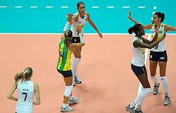 26-08-2010 VOLLEYBAL: WGP FINAL POLAND - BRAZIL: BEILUN NINGBO<br /> Brazil beat Poland 3-1 / Carvalho Jacqueline screams as Brazil defeats Poland 3-1<br /> ©2010-WWW.FOTOHOOGENDOORN.NL