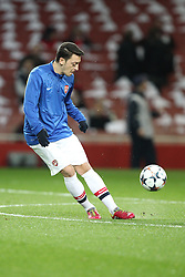 19.02.2014, Emirates Stadion, London, ESP, UEFA CL, FC Arsenal vs FC Bayern Muenchen, Achtelfinale, im Bild Mesut Oezil #11 (FC Arsenal London) beim warm up // during the UEFA Champions League Round of 16 match between FC Arsenal and FC Bayern Munich at the Emirates Stadion in London, Great Britain on 2014/02/19. EXPA Pictures © 2014, PhotoCredit: EXPA/ Eibner-Pressefoto/ Kolbert<br /> <br /> *****ATTENTION - OUT of GER*****