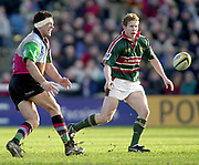 Twickenham, Surrey, England, UK., 25th January 2003, Zurich Premiership Rugby, Stoop Memorial Ground, England, Harlequins vs Leicester Tigers,<br /> [Mandatory Credit: Peter Spurrier/Intersport Images],<br /> Powergen Cup Quater final Harlequins v Leicester<br /> <br /> Andre Vos left moves the ball down the line, passed, Tiger's Sam Vesty ?