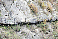 Secured wooden walkways lead through the Groppensteinschlucht gorge near Obervellach, on the Alpe Adria Trail, Carinthia, Austria (October 2015) © Rudolf Abraham