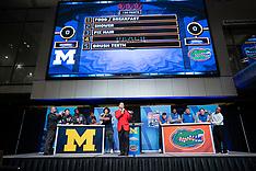 181226 - Florida Michigan Football Feud