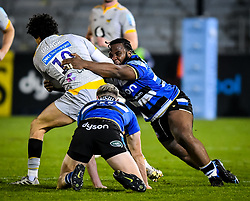 Beno Obano of Bath Rugby attempts a tackle on Jacob Umaga of Wasps - Mandatory by-line: Andy Watts/JMP - 08/01/2021 - RUGBY - Recreation Ground - Bath, England - Bath Rugby v Wasps - Gallagher Premiership Rugby
