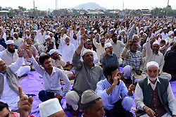 June 16, 2018 - Srinagar, Jammu and Kashmir, India - People shout pro freedom slogans before Eid prayers at Eid Gah Srinagar, Indian Administered Kashmir on 16 June 2018. (Credit Image: © Muzamil Mattoo/Pacific Press via ZUMA Wire)