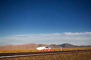 Yannic Lutz in de Altair 3 op de tweede racedag van het WHPSC In de buurt van Battle Mountain, Nevada, strijden van 10 tot en met 15 september 2012 verschillende teams om het wereldrecord fietsen tijdens de World Human Powered Speed Challenge. Het huidige record is 133 km/h.<br /> <br /> Yannick Lutz is on his way in the Altair 3 at the WHPSC. Near Battle Mountain, Nevada, several teams are trying to set a new world record cycling at the World Human Powered Speed Challenge from Sept. 10th till Sept. 15th. The current record is 133 km/h.