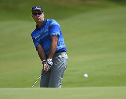 June 24, 2018 - Cromwell, CT, USA - Stewart Cink chips onto the 15th green during the final round of the Travelers Championship at TPC River Highlands in Cromwell, Conn., on Sunday, June 24, 2018. (Credit Image: © Brad Horrigan/TNS via ZUMA Wire)
