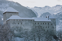THEMENBILD - die mittelalterliche Burg Kaprun mit Schnee auf den Dächern, aufgenommen am 06. Februar 2020 in Kaprun, Oesterreich // the medieval castle Kaprun with snow on the roof in Kaprun, Austria on 2020/02/06. EXPA Pictures © 2020, PhotoCredit: EXPA/Stefanie Oberhauser