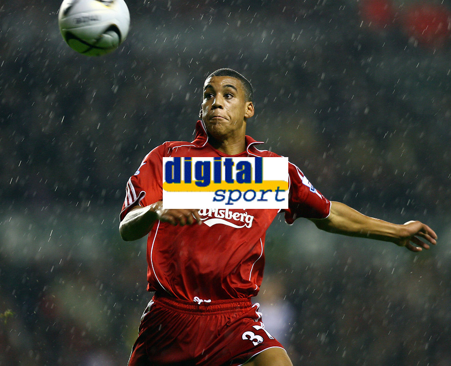 Fotball<br /> England <br /> League Cup 3rd round<br /> Liverpool v Reading<br /> Foto: Propaganda/Digitalsport<br /> NORWAY ONLY<br /> <br /> LIVERPOOL, ENGLAND - WEDNESDAY, OCTOBER 25th, 2006: Liverpool's Lee Peltier in action against Reading during the League Cup 3rd Round match at Anfield