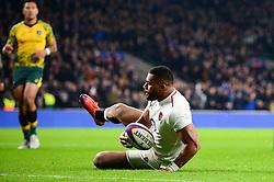 Joe Cokanasiga of England scores a try  - Mandatory by-line: Dougie Allward/JMP - 24/11/2018 - RUGBY - Twickenham Stadium - London, England - England v Australia - Quilter Internationals