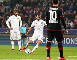 20.10.2015, BayArena, Leverkusen, GER, UEFA CL, Bayer 04 Leverkusen vs AS Roma, Gruppe E, im Bild Tor zum 2:3 durch Miralem Pjanic (#15, AS Rom) // during UEFA Champions League group E match between Bayer 04 Leverkusen and AS Roma at the BayArena in Leverkusen, Germany on 2015/10/20. EXPA Pictures © 2015, PhotoCredit: EXPA/ Eibner-Pressefoto/ Deutzmann<br /> <br /> *****ATTENTION - OUT of GER*****