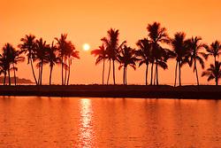 sunset over Ku`uali`i Fishpond ( an anchialine pond),  Waikoloa Beach, Anaehoomalu or `Anaeho`omalu Bay, Waikoloa, Kohala Coast, Big Island, Hawaii, USA, Pacific Ocean