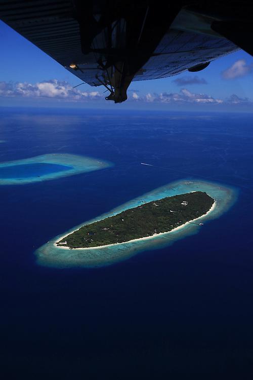 Soneva Fushi, Maldives, Paradise, Best Resorts in the World, Pool, Beach, Paradise, Seaplane, landing lagoon, photo dan kullberg