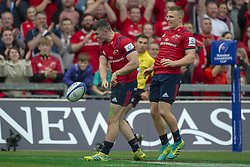 October 20, 2018 - Limerick, Ireland - Sammy Arnold of Munster celebrates his score with Andrew Conway during the Heineken Champions Cup match between Munster Rugby and Gloucester Rugby at Thomond Park in Limerick, Ireland on October 20, 2018  (Credit Image: © Andrew Surma/NurPhoto via ZUMA Press)