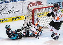 24.03.2019, Keine Sorgen Eisarena, Linz, AUT, EBEL, EHC Liwest Black Wings Linz vs Moser Medical Graz 99ers, Viertelfinale, 6. Spiel, im Bild v.l. Andreas Kristler (EHC Liwest Black Wings Linz), Tormann Robin Rahm (Moser Medical Graz 99ers), Robin Jacobsson (Moser Medical Graz 99ers) // during the Erste Bank Icehockey 6th quarterfinal match between EHC Liwest Black Wings Linz and Moser Medical Graz 99ers at the Keine Sorgen Eisarena in Linz, Austria on 2019/03/24. EXPA Pictures © 2019, PhotoCredit: EXPA/ Reinhard Eisenbauer