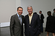 Jeff Koons and Larry Gagosian, Jeff Koons: Hulk Elvis. private view. Gagosian Gallery. 18 1une 2007.  -DO NOT ARCHIVE-© Copyright Photograph by Dafydd Jones. 248 Clapham Rd. London SW9 0PZ. Tel 0207 820 0771. www.dafjones.com.